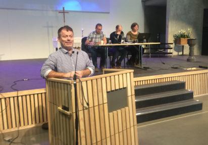 Knut Hernes fortsetter som leder